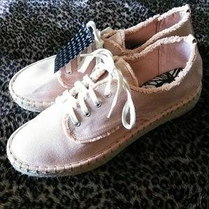 🍁 NWT DV by Dolce Vita Light Peach Casual Shoes